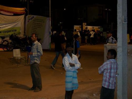 Marathon (bangalore_100_1573.jpg) wird geladen. Eindrucksvolle Fotos von der indischen Halbinsel erwarten Sie.